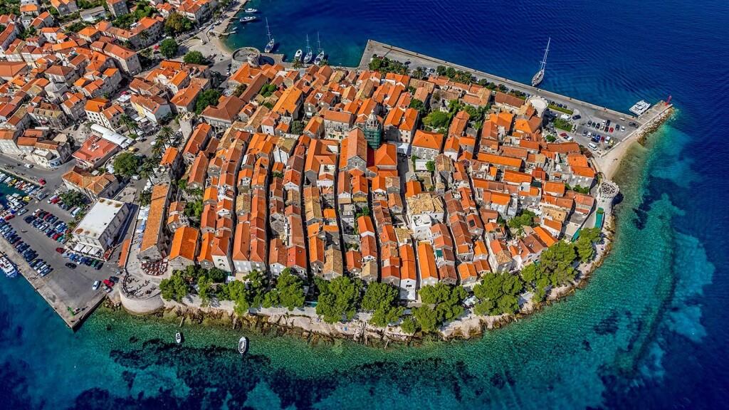 korčula old otwn cruise port croatia