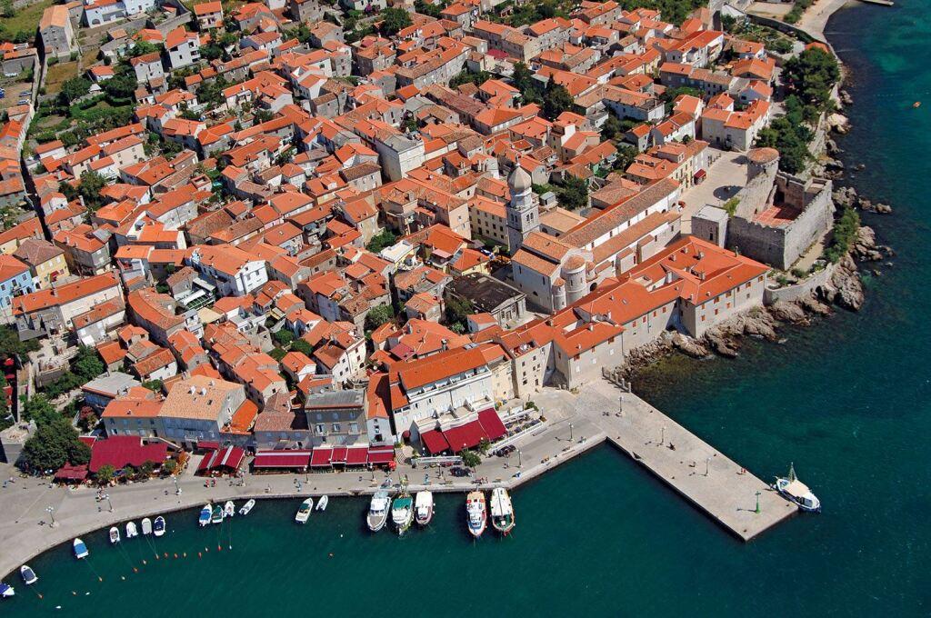 krk island old town cruise port