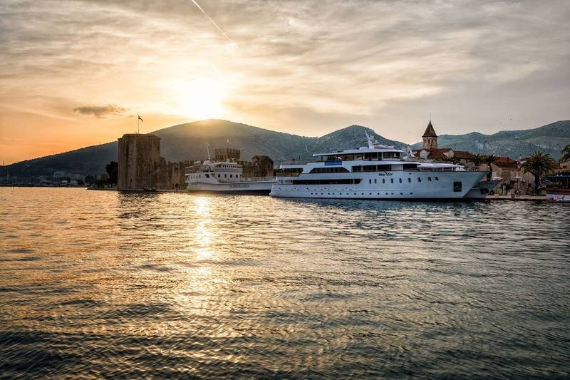 Adriatic Discovery Cruise from Dubrovnik to Split on New Star 3