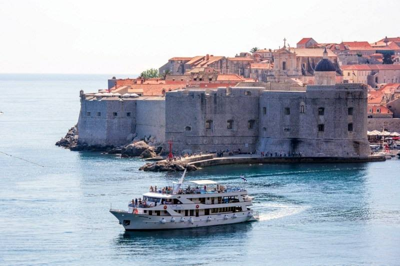 One Way Cruise from Dubrovnik to Split on Splendid 1