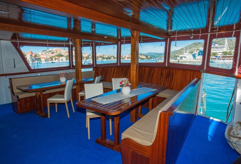 One Way Cruise from Dubrovnik to Split on Splendid 15