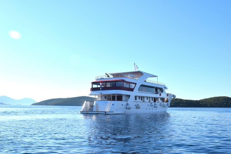 Supreme One Way Split to Dubrovnik Cruise on Equator 2