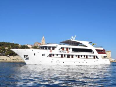 Supreme One Way Split to Dubrovnik Cruise on Equator