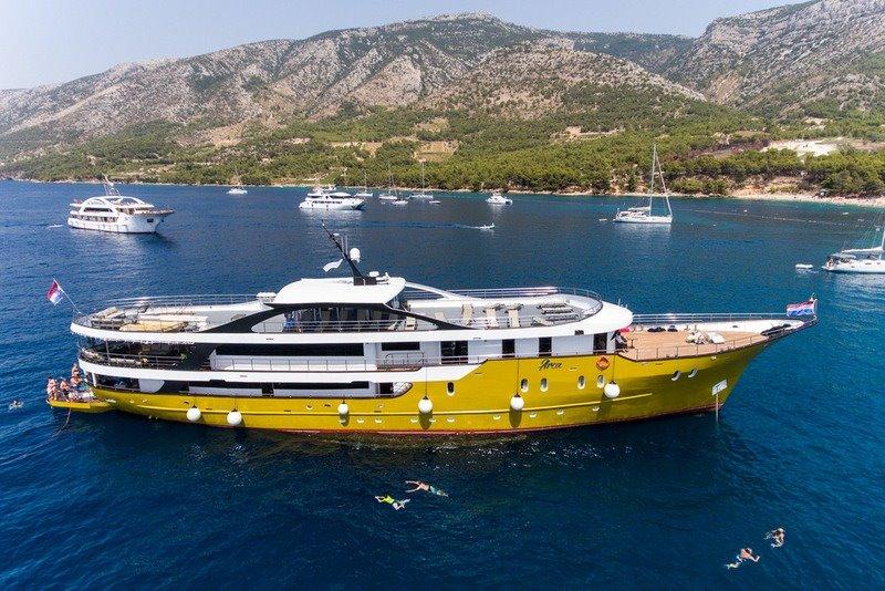 Supreme Split Return Cruise on Arca 1