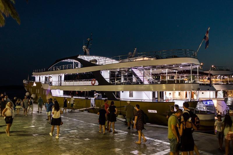 Supreme Split Return Cruise on Arca 6