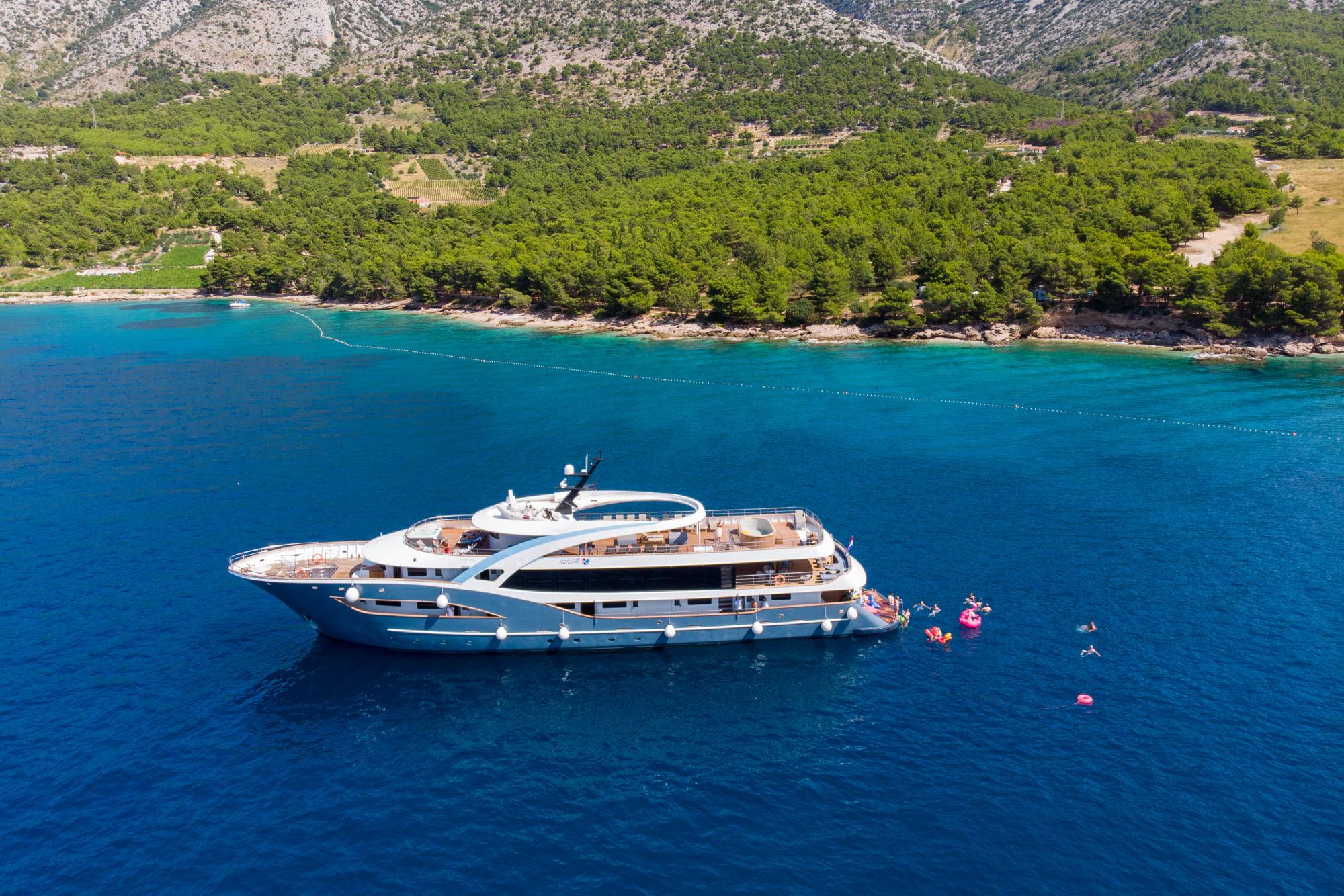 Supreme Split Return Cruise on Bella 2