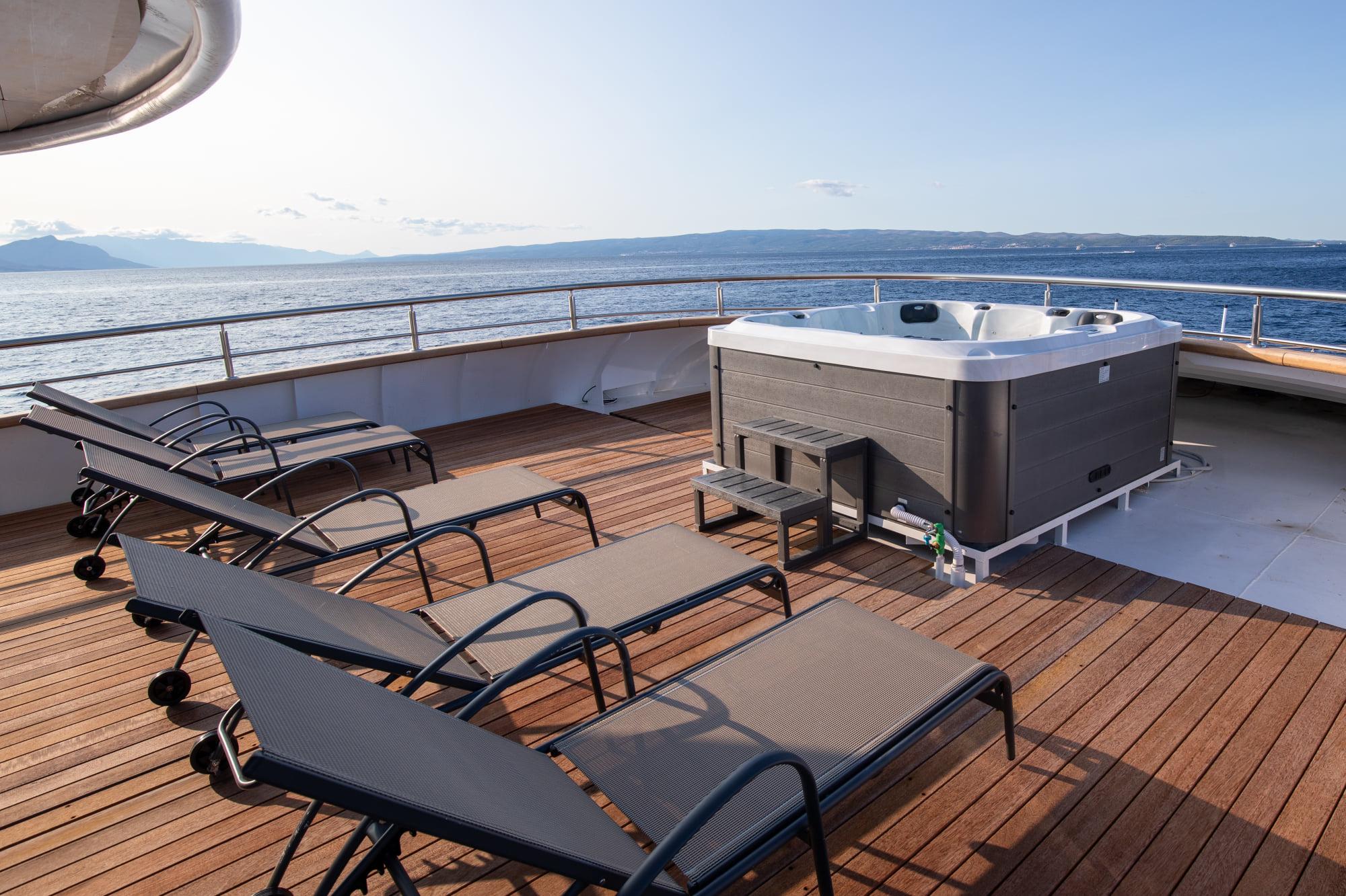 Supreme Split Return Cruise on Bella 4