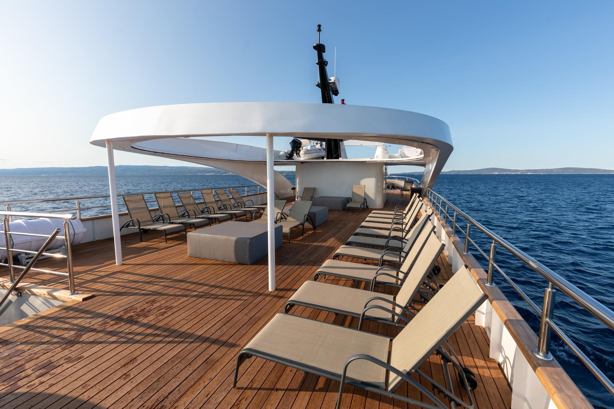 Supreme Split Return Cruise on Bella 6