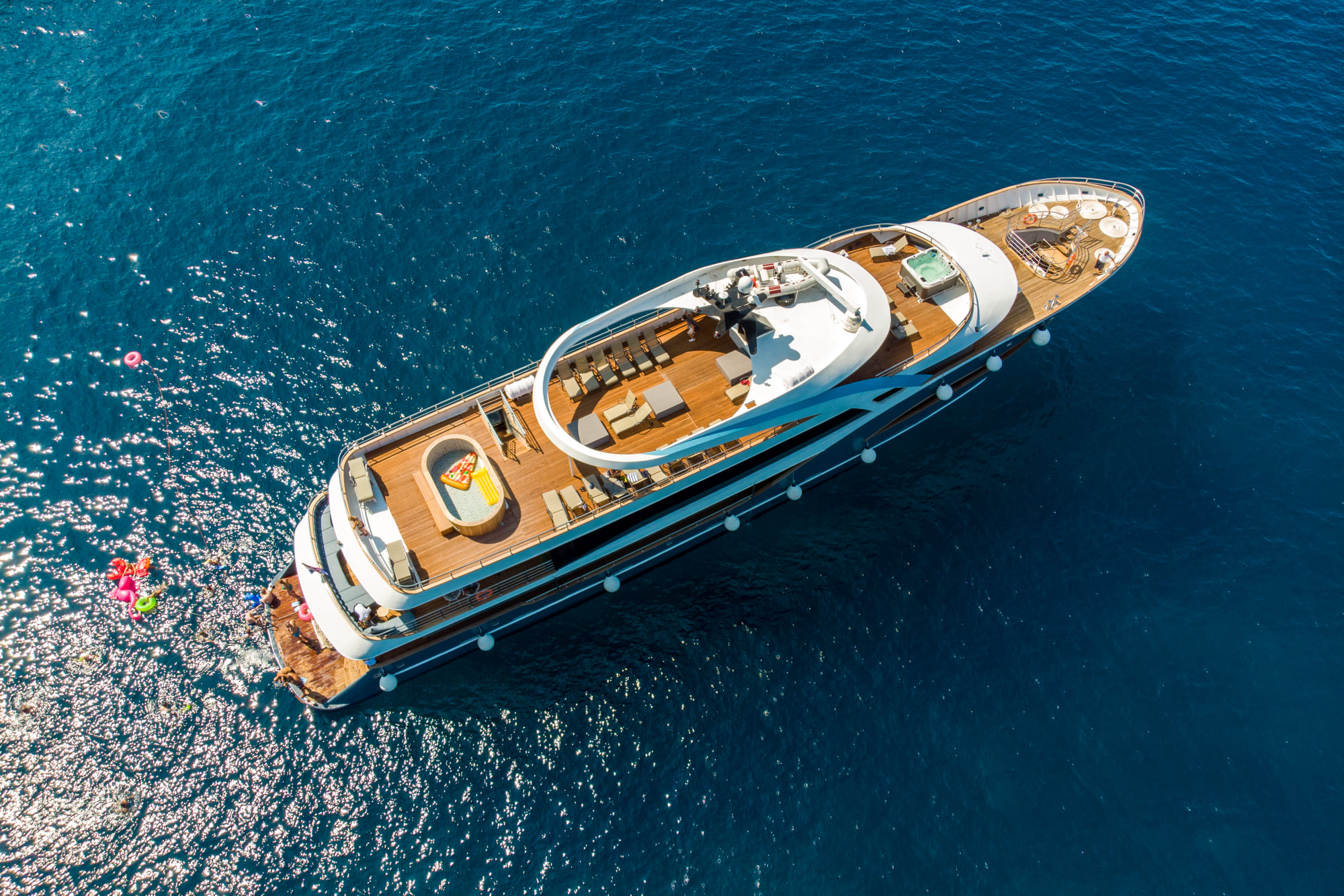 Supreme Split Return Cruise on Bella