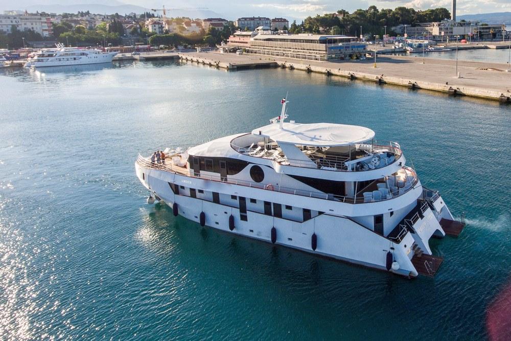 Supreme Split return cruise on Adriatic Queen 1