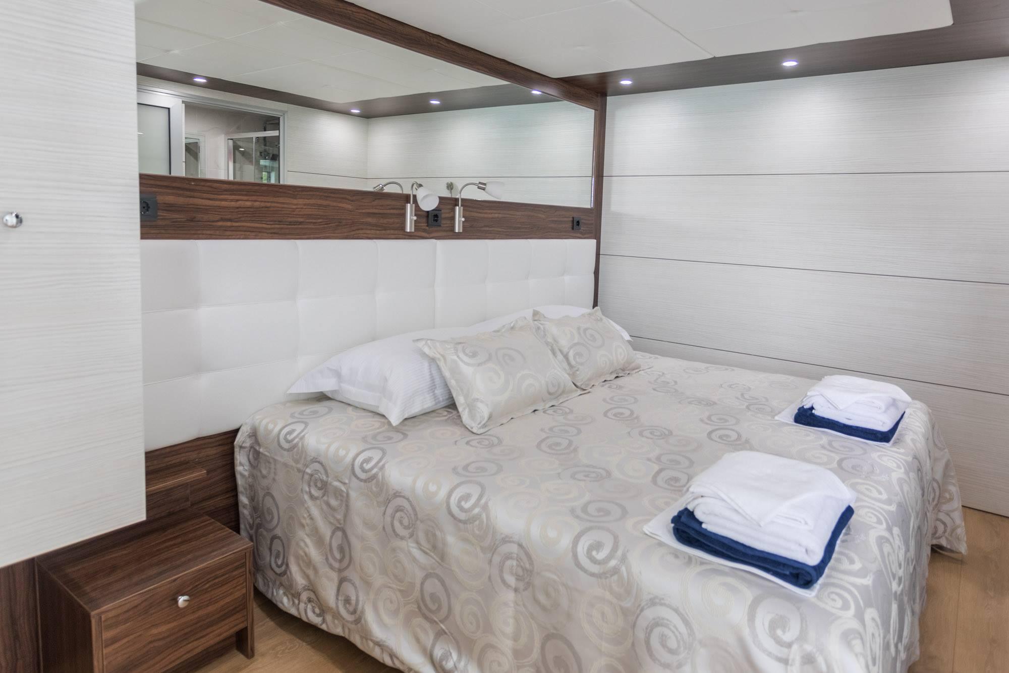 Supreme Split return cruise on Adriatic Queen 2