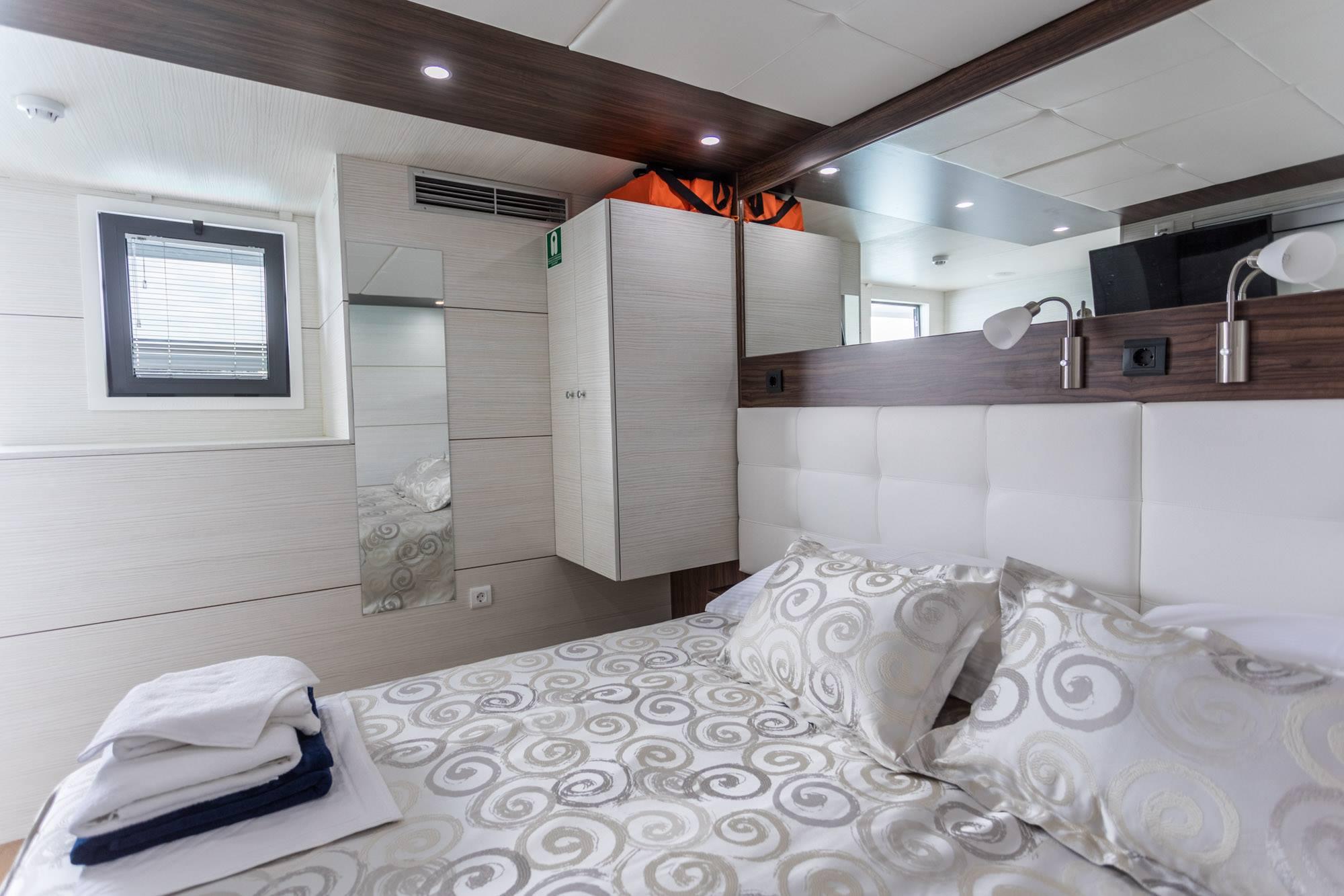 Supreme Split return cruise on Adriatic Queen 4