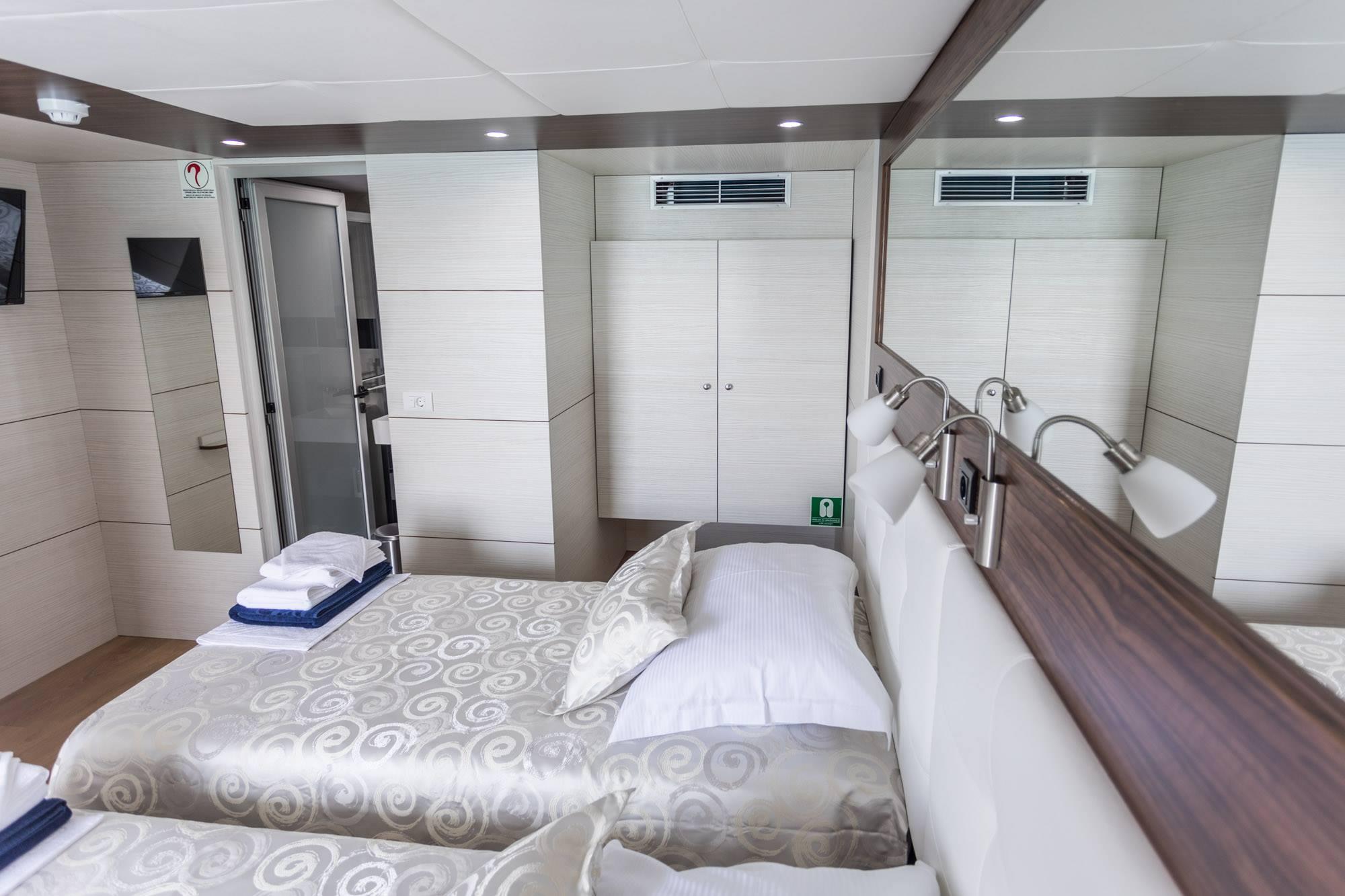 Supreme Split return cruise on Adriatic Queen 5