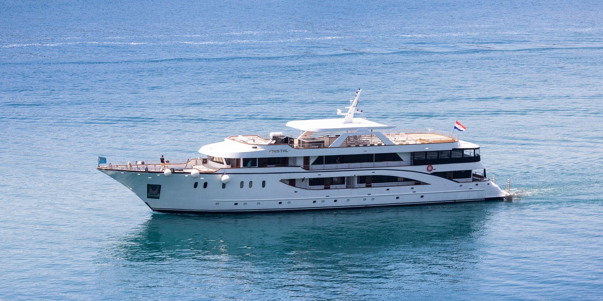cristal small cruise ship 1