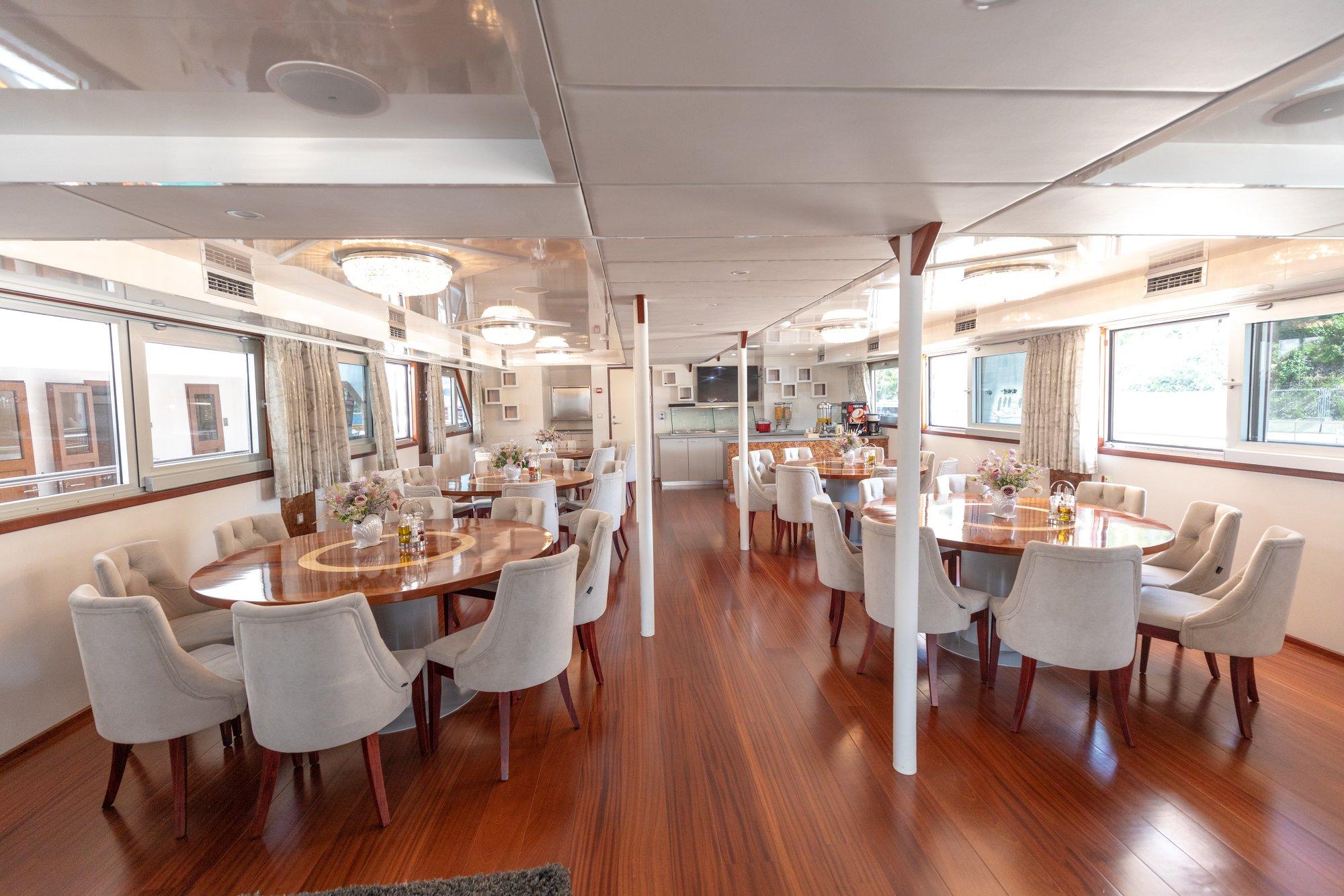 cristal small cruise ship 10