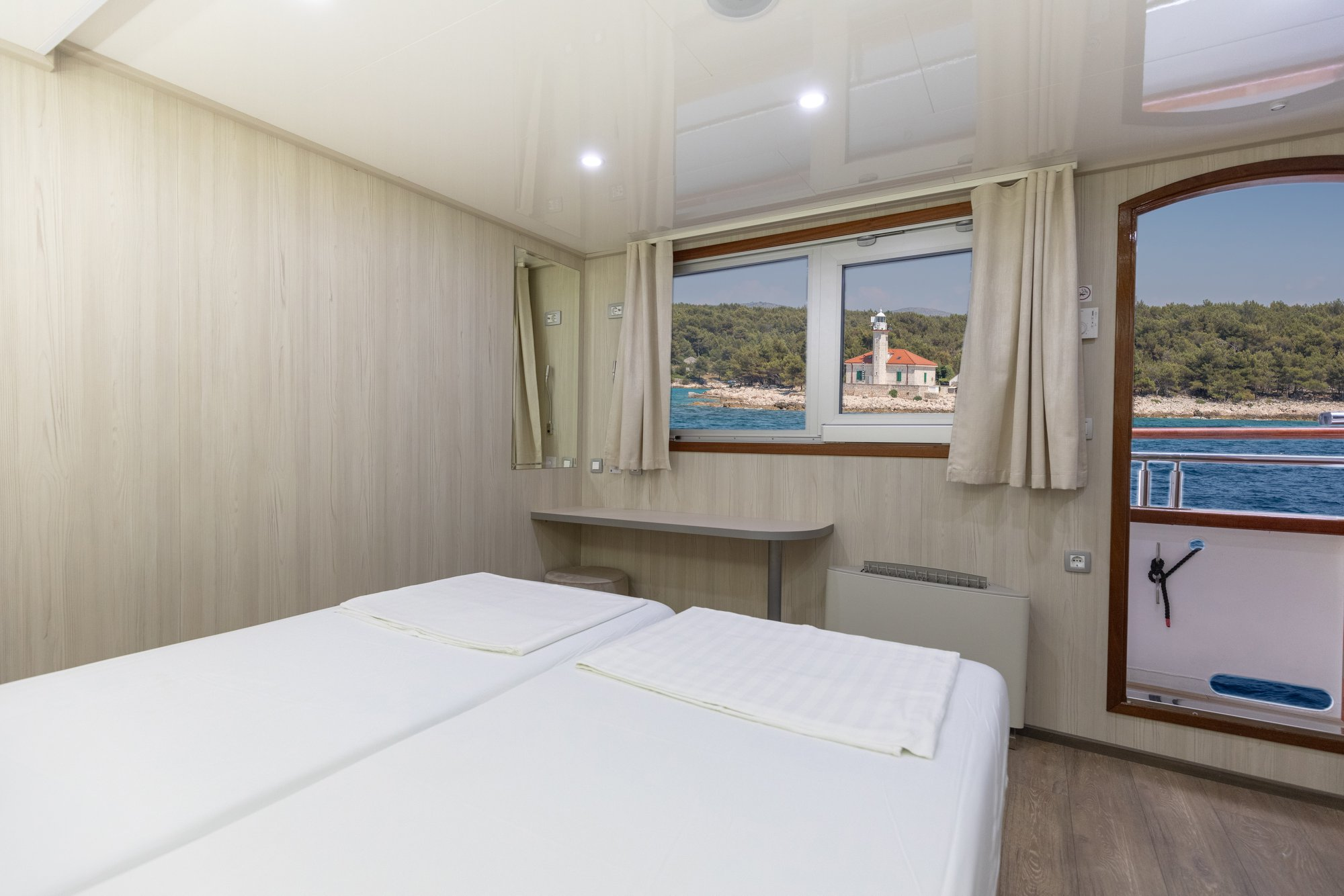cristal small cruise ship 3