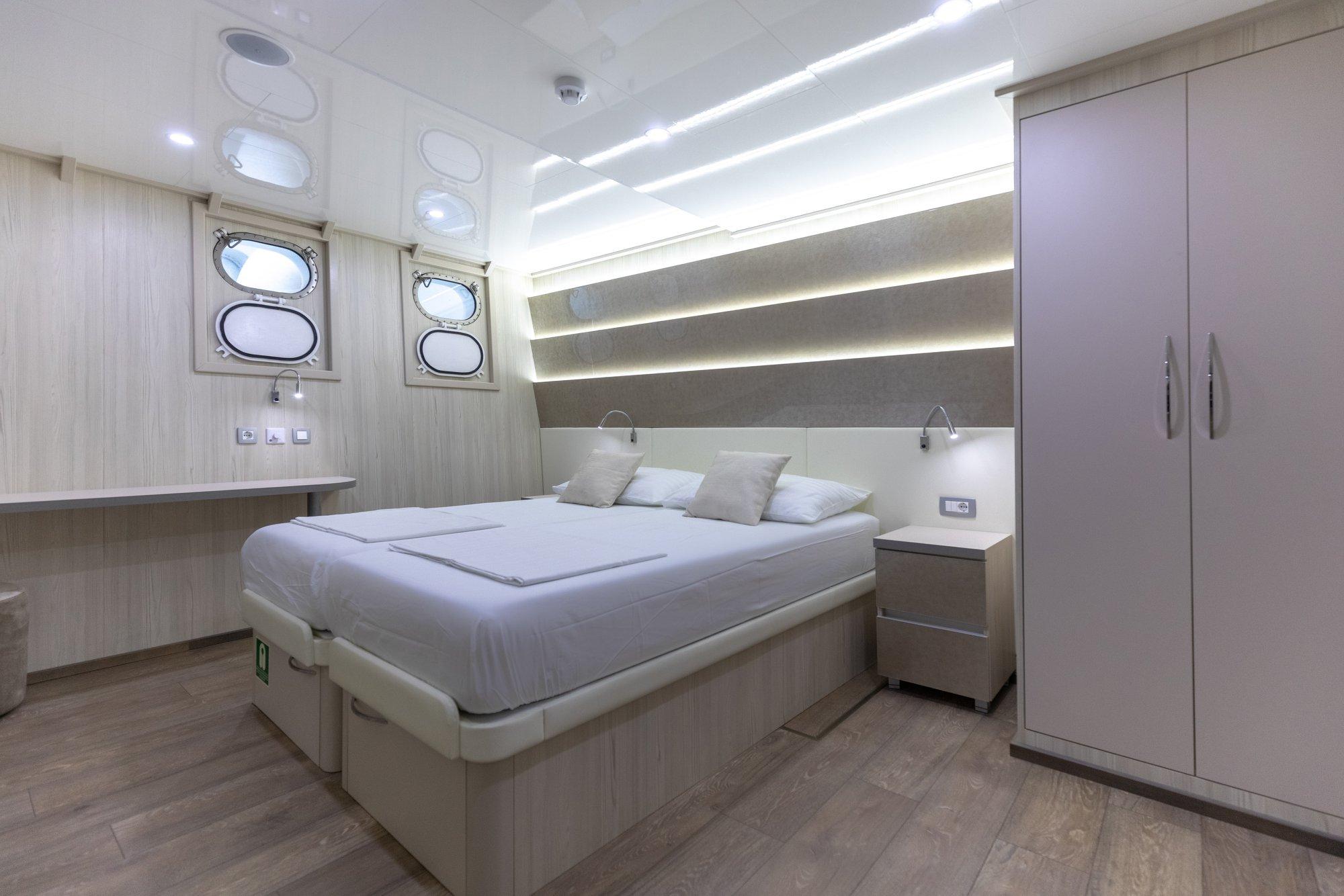 cristal small cruise ship 4